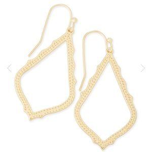 Kendra Scott Sophia Drop Earings in Gold